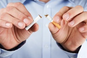 Statistika nedžiugina: mesti rūkyti pavyksta vos 5 iš 100