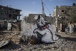 Menininkas Bansky ketina atiduoti statybines medžiagas pabėgėliams