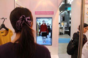 Pristatyta virtuali rūbų matavimosi kabina