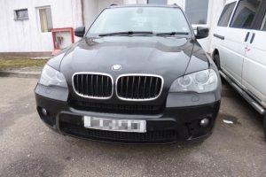 """Teisių neturintis alytiškis įkliuvo su vogtu """"BMW X5"""""""