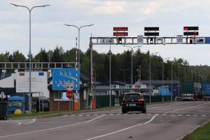 """Teisėsaugos ieškoma baltarusė įkliuvo prie """"Mercedes"""" vairo"""