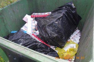 Prieš pat pasienio punktą kontrabanda skriejo į konteinerį