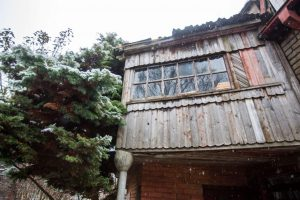 Sodo name įsikūrę žmonės neįrodė, kad dėl namo trūkumų kalti pardavėjai