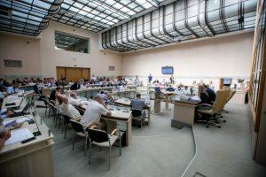 Rykštė miesto tarybos nariams: praleidus tris posėdžius grės atsisveikinimas su kėde
