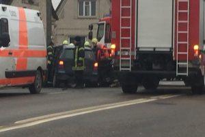 Vilijampolėje – dviejų automobilių avarija, nukentėjo vairuotojos