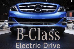 """""""Mercedes"""" planuoja elektromobilių gamybą"""