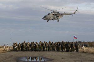 Rusijos karinės pratybos Ukrainos pasienyje sukėlė šalių nerimą
