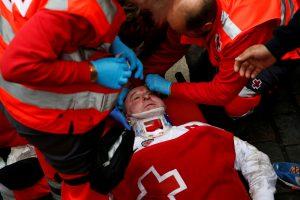 Pamplonoje bulius subadė amerikietį, 4 žmonės sužeisti