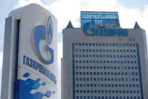 """""""Gazprom"""" per pusmetį žada rasti naują būdą """"Nord Steam 2"""" įgyvendinimui"""