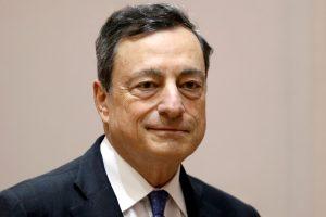 ECB vadovas: problemos kyla dėl per didelio bankų skaičiaus