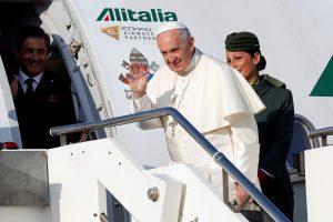 Popiežius pradeda vizitą neramiose Kaukazo šalyse