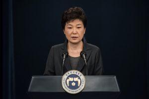 Planuojama korupcija kaltinamos Pietų Korėjos prezidentės apklausa