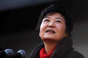 Didėja tikimybė pradėti apkaltą Pietų Korėjos prezidentei