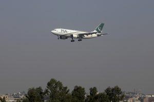Pakistane sudužo 47 žmones skraidinęs lėktuvas