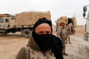 Irako grupuotė surengė egzekuciją įtariamiems džihadistams