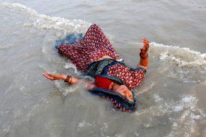 Laivo katastrofa Indijoje: žuvo beveik 30 žmonių