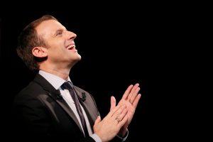 E. Macroną papiktino jo antisemitiška karikatūra