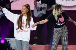 Mančesteryje muzikos žvaigždės ragino nepasiduoti terorizmui