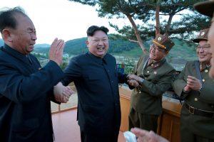 Baltieji rūmai: karo grėsmė su Š. Korėja auga kasdien