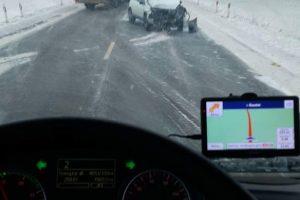 Eismo sąlygas Kaune sunkina ir sniegas, ir avarijos