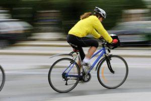 Panevėžyje susidūrė dvi dviratininkės, viena pabėgo iš avarijos vietos