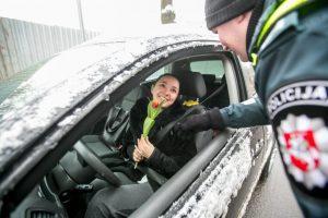 Kauno vairuotojoms – maloni staigmena iš pareigūnų rankų