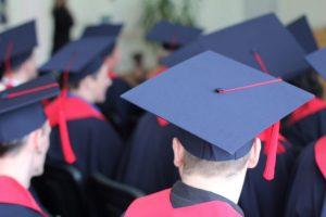 Seimas atidėjo reikalavimą kolegijų vadovams turėti mokslo laipsnį