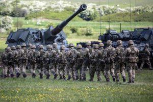 Britanija siųs į Estiją apie 1 000 karių ir šarvuočių
