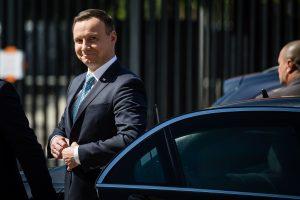 Lenkijoje pasirašytas prieštaringas 2017-ųjų biudžetas
