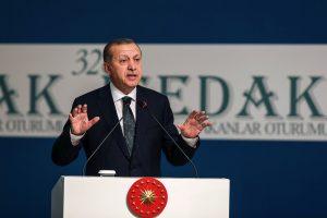 Po įšaldytų derybų Turkija grasina atverti sienas migrantams