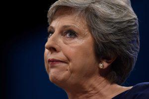 Britų žiniasklaida vertina prieštaringos T. May kalbos žalą