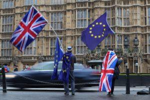 """Europos Sąjungai – kaltinimai mėginimu """"apgauti"""" Jungtinę Karalystę dėl """"Brexit"""""""