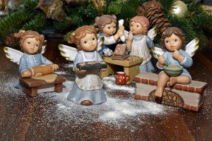Šventinės dekoracijos: kaip pasigaminti namuose?