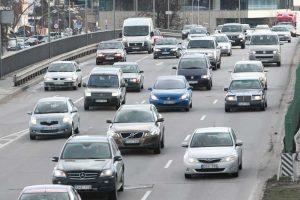 Kas padėtų išspręsti senų automobilių problemą?