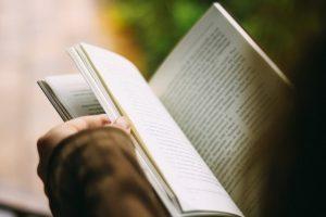 Kandidatės į Metų knygas laukia balsų