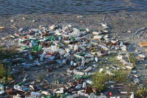 "Vandenynus naikina ""plastiko maras""?"