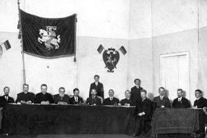 1917 m. vokiečių spauda: Lietuva, palikta viena, vargu ar iškoptų iš vaiko amžiaus