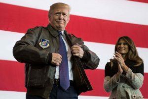 D. Trumpas: joks diktatorius neturėtų nuvertinti Amerikos ryžto