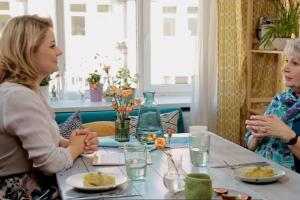 K. Bradūno dukra: Havajuose italės mokydavosi gaminti šaltibarščius ir kugelį