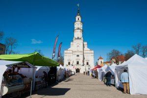 Pavasarinėje Kauno mugėje – dirbinių, siuvinių, skanėstų ir želdinių puokštė