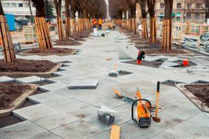 Ryškėja naujosios Laisvės alėjos vaizdas: pradėti granito klojimo darbai