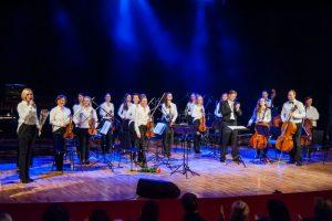 Metų pabaigoje kviečia į egzotišką orkestro kelionę ir austrišką pokylį