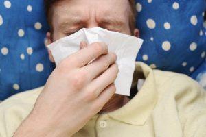 Sergamumas peršalimo ligomis sumažėjo nežymiai