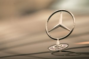 """Mercedes-Benz"" per pusmetį pardavė daugiau nei 1 mln. automobilių"