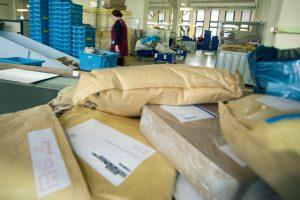 Dažniausiai paštu narkotikus siunčiasi iš Olandijos