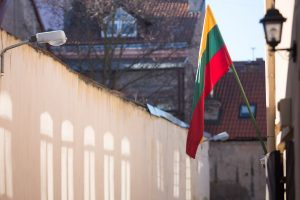 Valstybės atkūrimo dieną – vėliavų vagystės ir išniekinimai