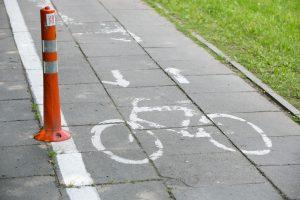 Per avariją sunkiai sužalota dviračių taku važiavusi mergaitė