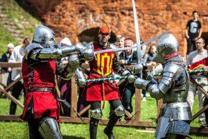 Įkvepianti brolių istorija: meilė viduramžiams virto sėkmingu verslu