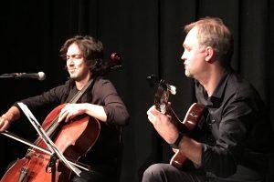 Violončelės ir gitaros virtuozai užbūrė klausytojus