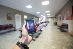 Garliavos poliklinikose – tikras pragaras: eilėse tenka kęsti ir 30 laipsnių karštį